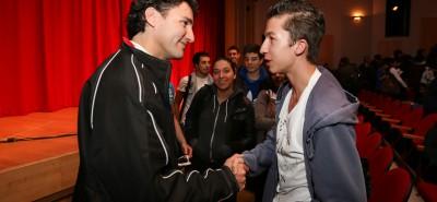 Justin speaks to students at Vanier College in Montreal; Justin parle avec des étudiants au Cégep Vanier Collège. Oct 26, 2012.